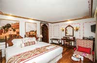 Category Colonial Suite