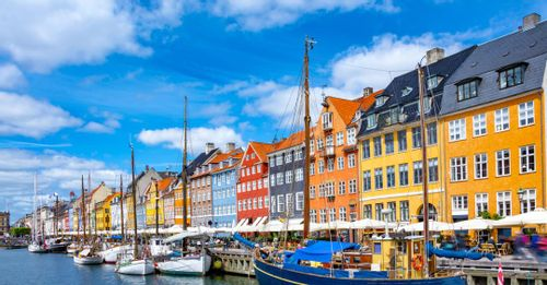 Stroll along Nyhavn