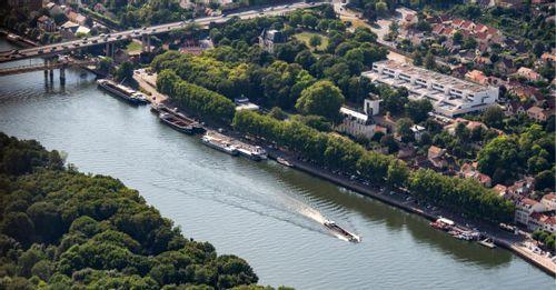 Conflans-Sainte-Honorine and Auvers-Sur-Oise