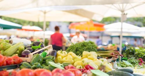 Support locals at Ballard Farmers' Market