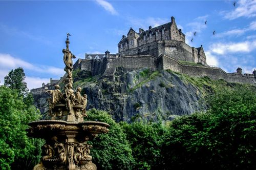 Discover Beautiful Edinburgh