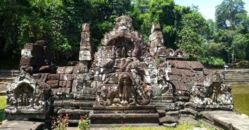 Experience Preah Neak Poun