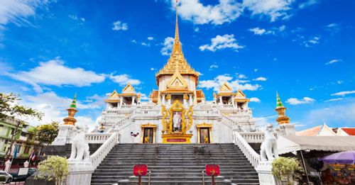 Discover the story of the forgotten Buddha in the Temple of the Golden Buddha