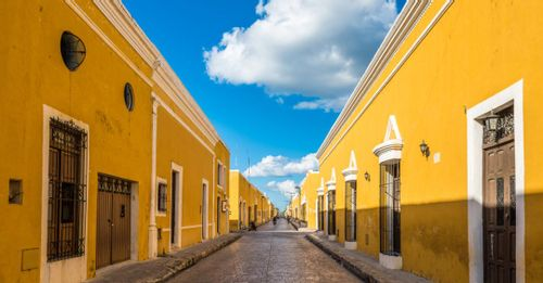 Walk around Izamal