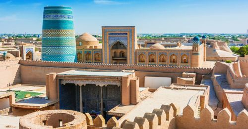 Browse Through the Woodcarvings of Khiva