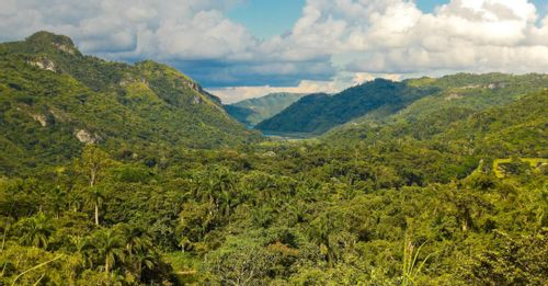 Hike through the Sierra Maestra