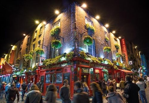 Experience the Nightlife Temple Bar