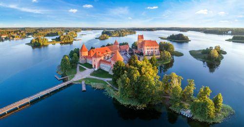 Visit Trakai Island Castle