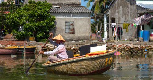 Tan Chau