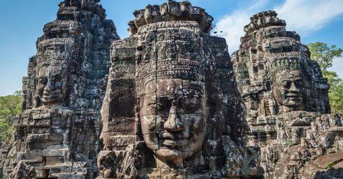 Visit Bayon Temple