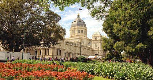 Walk through the Royal Botanic Garden