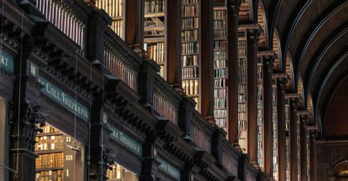 Trinity College and The Old Library – The Book of Kells