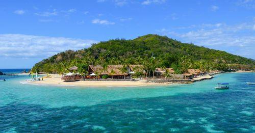 Snorkel at Mamanuca Islands