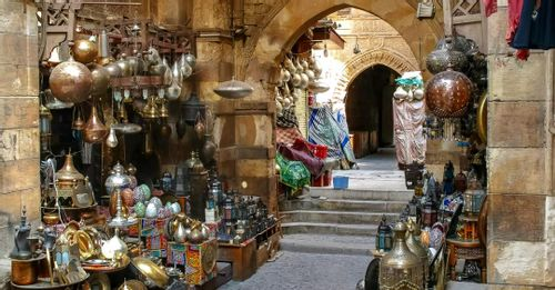 Support locals at Khan el-Khalili