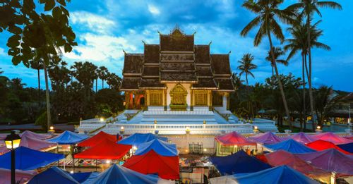 Immerse in the local ambiance at the Vientiane Night Market