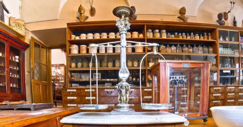 Explore the New Orleans Pharmacy Museum
