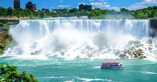 Experience the natural beauty of Niagara Falls