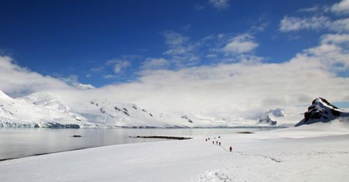 Hike towards the South Pole