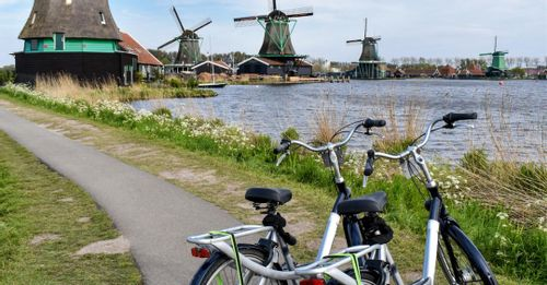 Explore the Dutch Countryside on Two Wheels