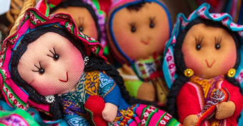 Shop for locally made handicrafts in the Pisac Market to find authentic souvenirs